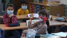Coronavirus: Polémica en el condado de Los Ángeles por opción de cuarentena modificada para estudiantes
