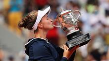 Krejcikova se corona en Roland Garros al vencer a Pavlyuchenkova