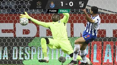 Con Tecatito, Porto se acerca peligrosamente al Sporting Lisboa