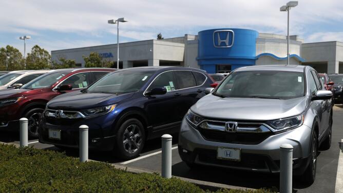 ¿Piensas comprar o rentar un auto nuevo? Entérate por qué el precio de los vehículos se ha disparado