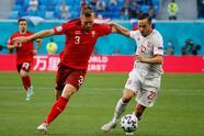 España tuvo que llegar hasta la tanda de penales para ganar el boleto a la Semifinal de la Eurocopa con Unai Simón como protagonista. <br>