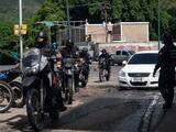 """Caracas es """"zona de guerra"""" por segundo día consecutivo con enfrentamientos entre policía y bandas criminales"""
