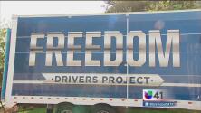 Choferes de carga podrán ayudar a combatir el tráfico humano