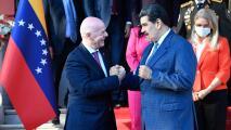 Infantino visita Venezuela y planean nuevo estadio en Caracas