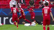 ¡Tarjeta Roja! Youssef En-Nesyri recibe la segunda amarilla y se va del juego.