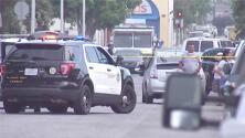 Comparece ante una corte la madre sospechosa de la muerte de sus tres hijos, encontrados sin vida en Los Ángeles