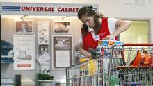 Aumentos salariales, el incentivo de varias empresas para atraer trabajadores de cara a la temporada festiva