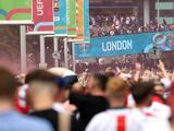 UEFA abre procedimientos disciplinarios a la FA por incidentes de fanáticos en la final