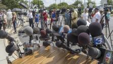 Familiares y amigos rinden homenaje a los dos reporteros asesinados en directo