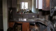 Su casa se incendió y el seguro que paga no le cubre los daños: el drama que vive este hombre de 75 años