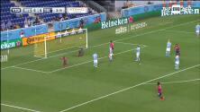 Colombiano Jáder Obrian castiga un balón suelto en el área y abre la cuenta del FC Dallas