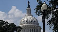 ¿Qué significa para la comunidad inmigrante la aprobación del plan presupuestario de $3.5 billones?