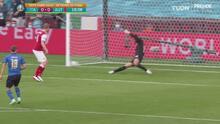 ¡Gran rechace! Bachmann evita que la pelota toque la red tras bombazo