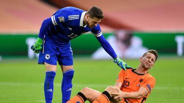 Luuk de Jong será baja de Holanda en lo que resta de la Eurocopa por lesión