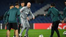 DT del Ajax defendió a Edson Álvarez y elogió su desempeño