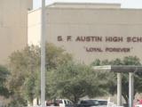 Arrestan a hombre armado cerca de escuela superior en Austin