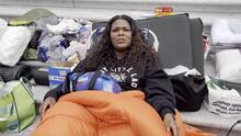 En protesta por la inminente ola de desalojos por la pandemia, una congresista duerme en las escalinatas del Capitolio