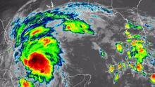 Tormenta tropical Nicholas se mueve despacio y podría impactar Texas en las próximas horas