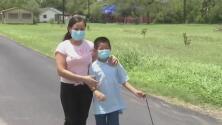 """""""Estoy muy feliz"""": tras casi dos meses de haber sido abandonado en la frontera, el niño Wilto es reunificado con su madre"""