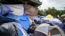 Atrapados en medio de violencia: el drama de cientos de inmigrantes que permanecen en un campamento en Reynosa, México