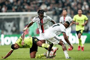 Borussia Dortmund se impone 2-1 ante el Besiktas durante la primera fecha de la fase de grupos en la UEFA Champions League. Jude Bellingham abrió el marcador al minuto 20', posteriormente él mismo asistía a Erling Haaland para hacer el segundo gol de la noche. Ya en tiempo agregado, Javier Montero Rubio salva anotación para los locales.