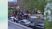 Conductora atropella a clientes de un restaurante en Queens, dejando un muerto y varios heridos