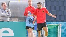Bélgica se queda sin Mignolet; Hazard y De Bruyne están en duda