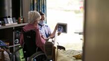 Hogares para ancianos en Nueva York deberán mostrar su calificación a familias que quieran contratarlos