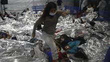 Intensifican los esfuerzos por reunir a familias migrantes separadas en la frontera sur de EEUU