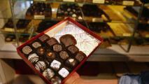 """""""Tienen menos dinero y compran menos"""": comerciantes en Chicago a la expectativa por el Día de San Valentín"""