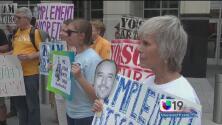 Protestan contra ICE