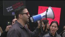 Grupo de manifestantes protesta por la poca representación hispana en la industria del cine
