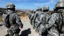 'Coyotes' fuertemente armados, habrían hecho provocaciones a la Guardia Nacional de EEUU en la frontera