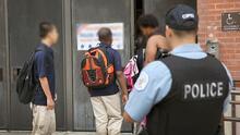 Qué contempla el nuevo presupuesto aprobado para el programa de policías en las Escuelas Públicas de Chicago