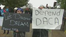 ¿Aún tienes dudas sobre el fallo que frena nuevas solicitudes de DACA? Un experto responde tus preguntas
