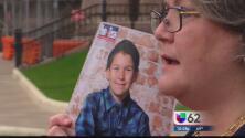Gobernador de Texas sigue su lucha contra la ley de los baños para transgéneros