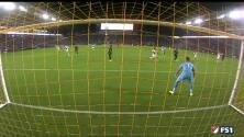 Defensa del L.A. Galaxy se 'duerme' y el chileno Felipe Gutiérrez logra ventaja para Sporting KC
