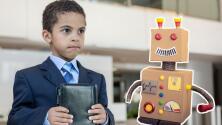 Niño hace una mini fortuna vendiendo amigos imaginarios por $20 pesos