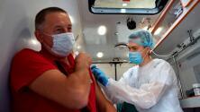 Frenan mandato de vacunación en Nueva York por demanda de enfermeras y médicos cristianos