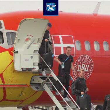Jugadores de Dinamarca, recibidos como héroes tras la Eurocopa