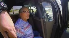 Una conductora se negó a firmar la multa que un agente le estaba poniendo y terminó arrestada