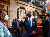 Con un discurso pausado pero combativamente populista, Biden intenta proyectar desde el Congreso el futuro postpandemia