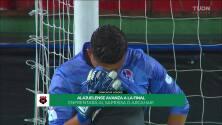 ¡GOL!  anota para Club Deportivo Olimpia. Johnny Leverón