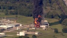 Video: Enorme incendio en una planta química de Texas
