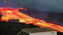 Científicos captan un sorprendente río de lava que baja a toda velocidad del volcán de La Palma