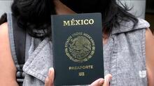 """""""Va a ser muy difícil que se suplante la identidad"""": México presenta su nuevo pasaporte electrónico"""