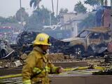 Una avioneta cae sobre vecindario en San Diego: hay al menos dos muertos y varios heridos