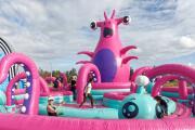 Llega a San Antonio el parque inflable más grande del mundo para adultos y niños
