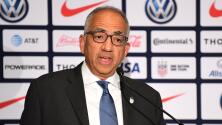 Presidente de US Soccer renuncia en medio de polémica