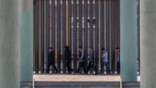 La llegada de miles de menores migrantes a EEUU se agudiza y pone presión sobre el presidente Biden